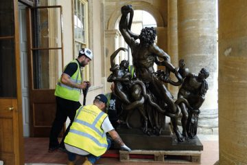 The Stowe statue arriving at Stowe. It took a careful logistics plan to get the bronze into North Hall